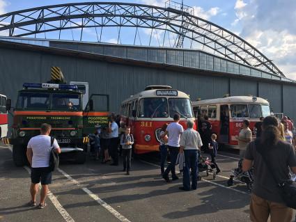 Moto-historie w hangarze Czyżyny - stare autobusy